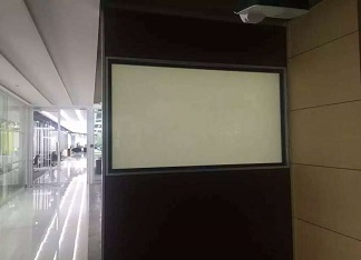 How to avoid bubbles in the process of film installation?